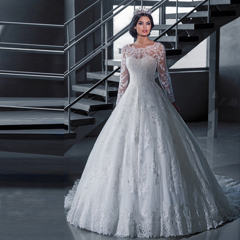 2016 Luxury Vintage Long Sleeves Wedding Dresses Ball Gown Princess Long  White Tulle Appliques Bridal Gowns 8158a3358a87