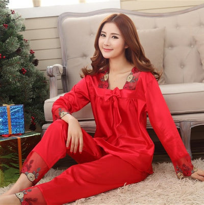 New Style Women Silk Pajamas Sets 2015 Spring Summer Design Elegant Lace Embroidered Female Satin Pajamas,Red,Green,Dark Pink