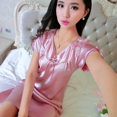 2017 New Brand Sexy Nightgown Women Embroidery Satin Silk Sleepwear Sexy Lingerie Robe Spring Summer Short Sleeve Night Dress