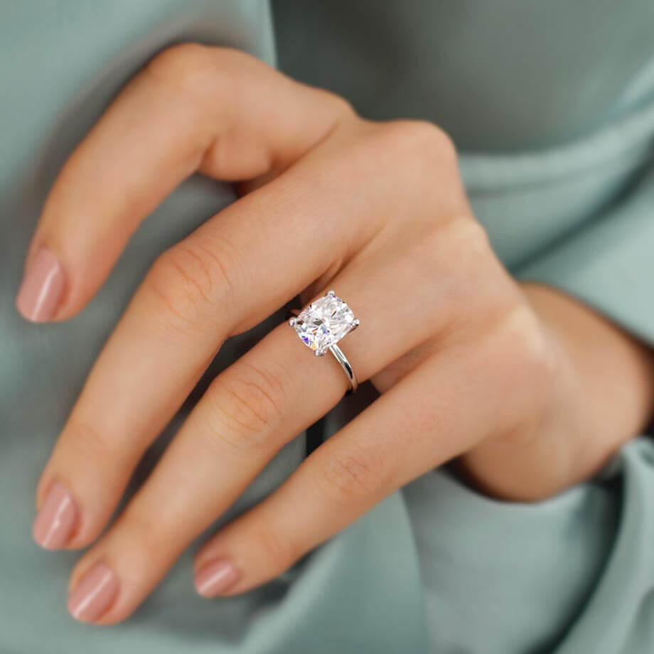 Your guide to choosing a Moissanite Engagement Ring