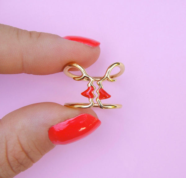 CouCou Suzette Kiss Ring