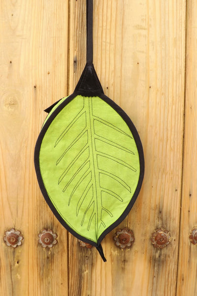 Leaf-Shaped Handbag perfect for Diana the Goddess who loved to run around in the forest by Hello My Goddess