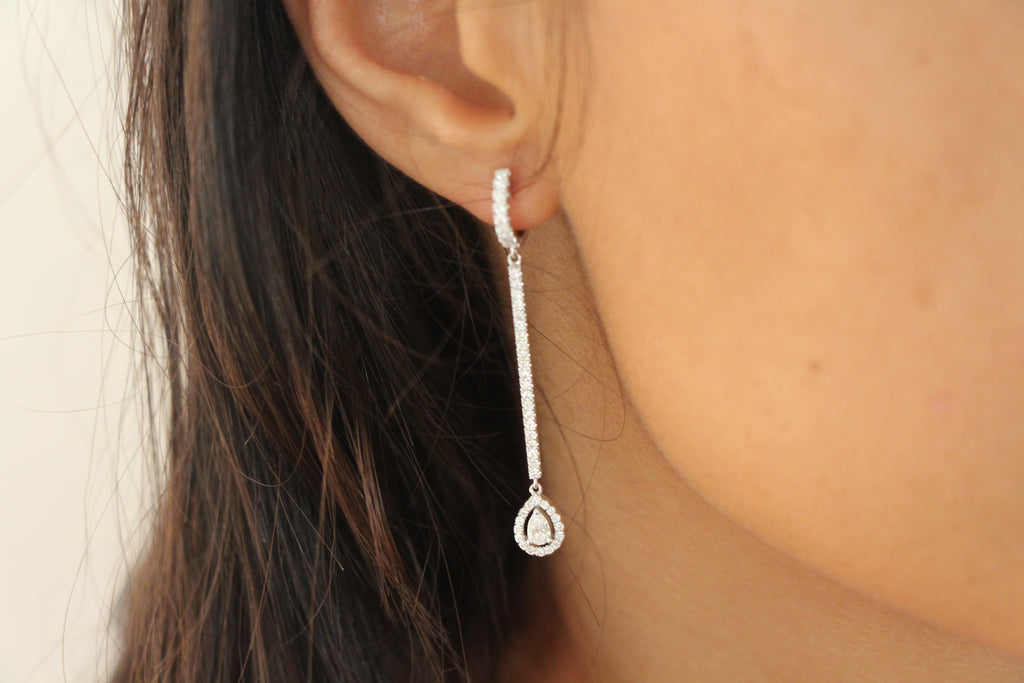 Bar Earrings With Pear shape