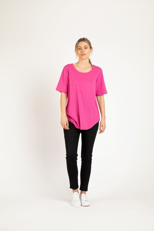 Betty Basics Ariana Tee - Fuchsia