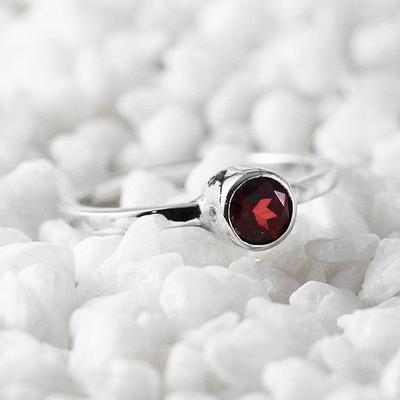 red garnet womens ring