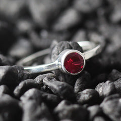 red ruby gold ring