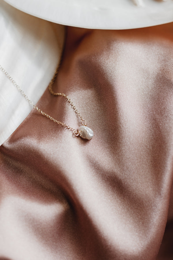 Elle Tiny Single Keshi Pearl Necklace