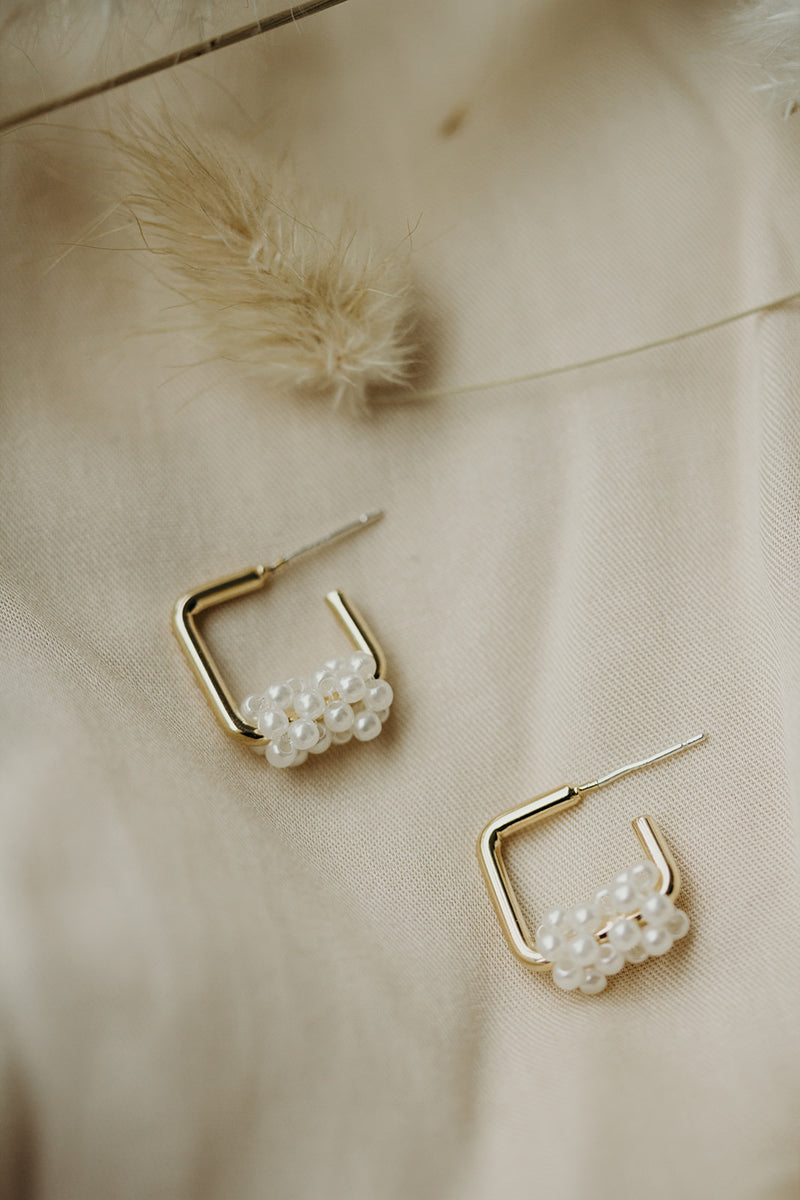 Ali Geometric Pearl Earrings
