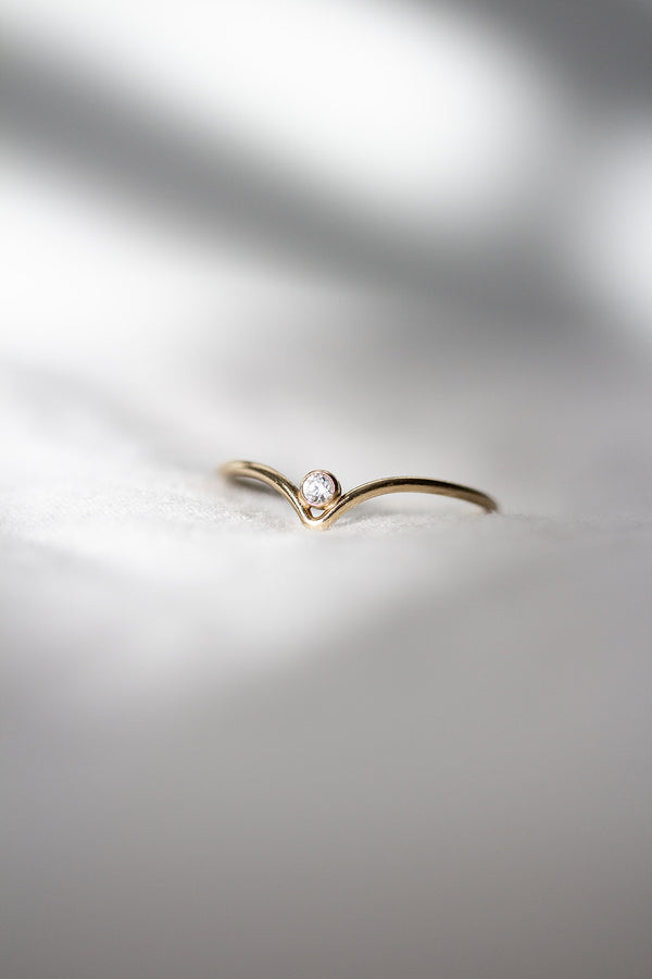 Balance solitaire v shaped gold filled ring