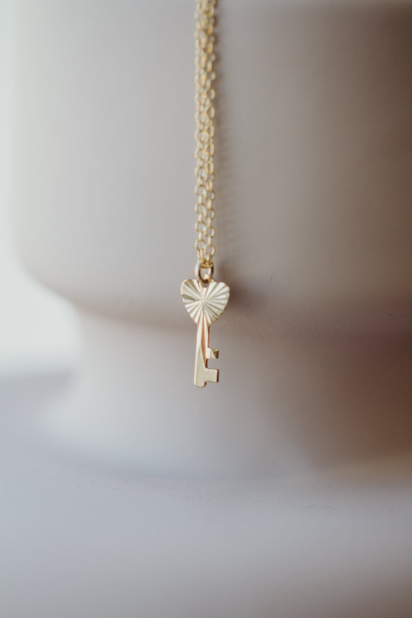 clé de mon coeur- key to my heart necklace