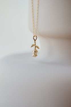 La vie en rose - Tiny Rose Necklace