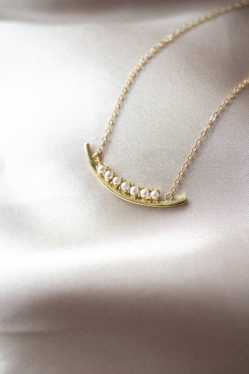Sofia Curved Pearl Bar Necklace