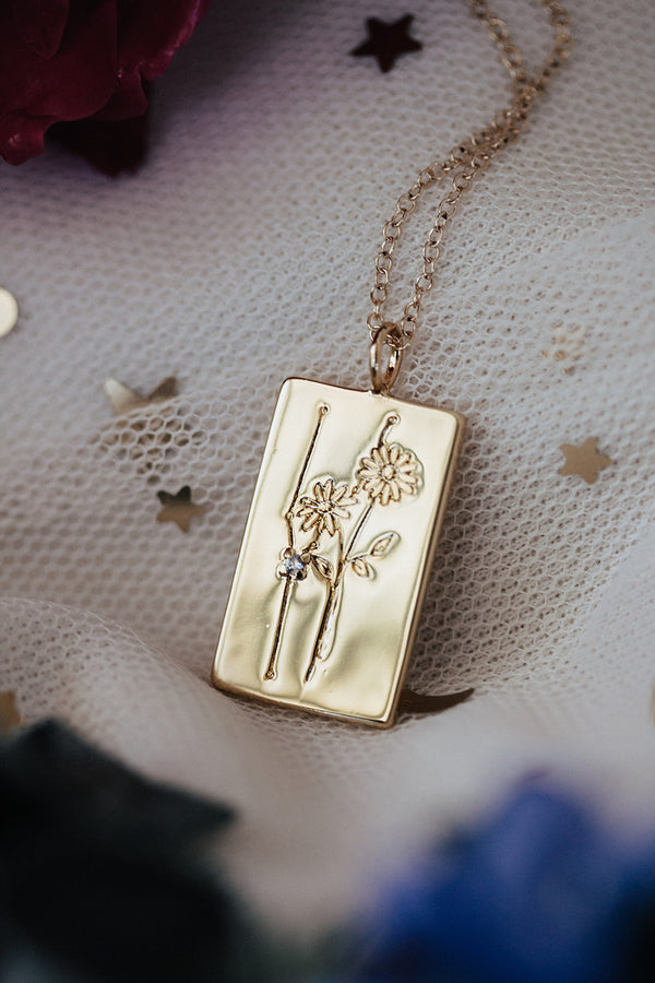 Birth Flower Zodiac Necklace-  Taurus Daisy- April 21 -30