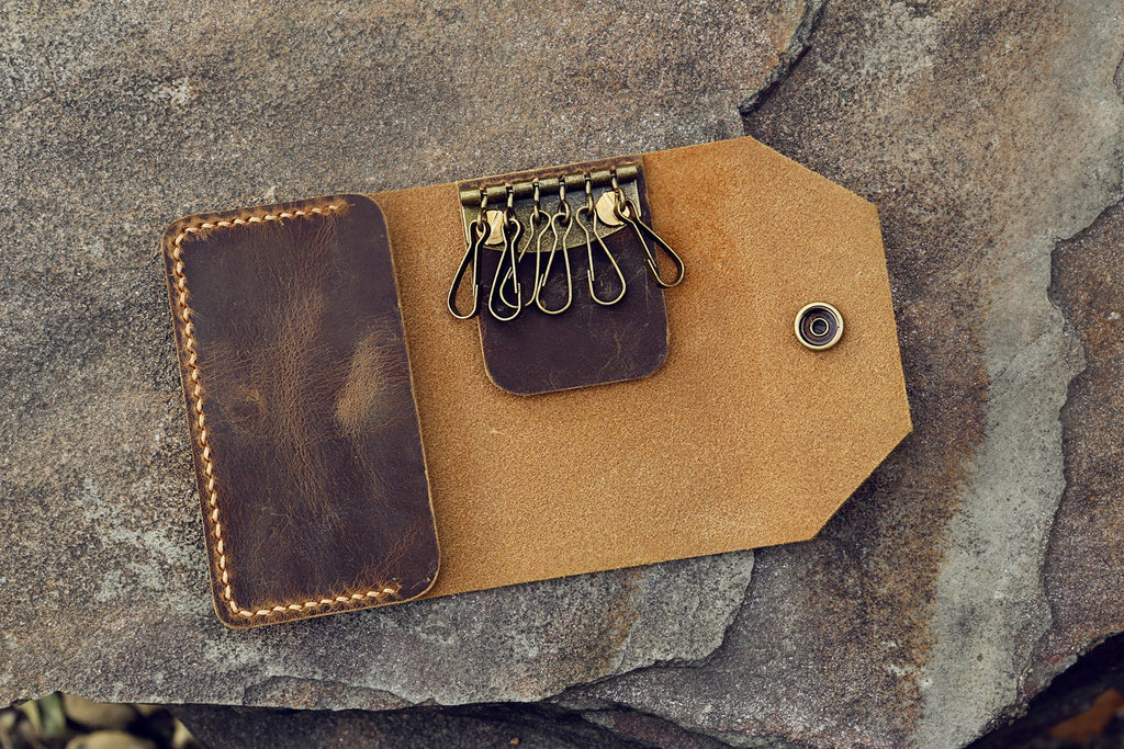 leather key card case