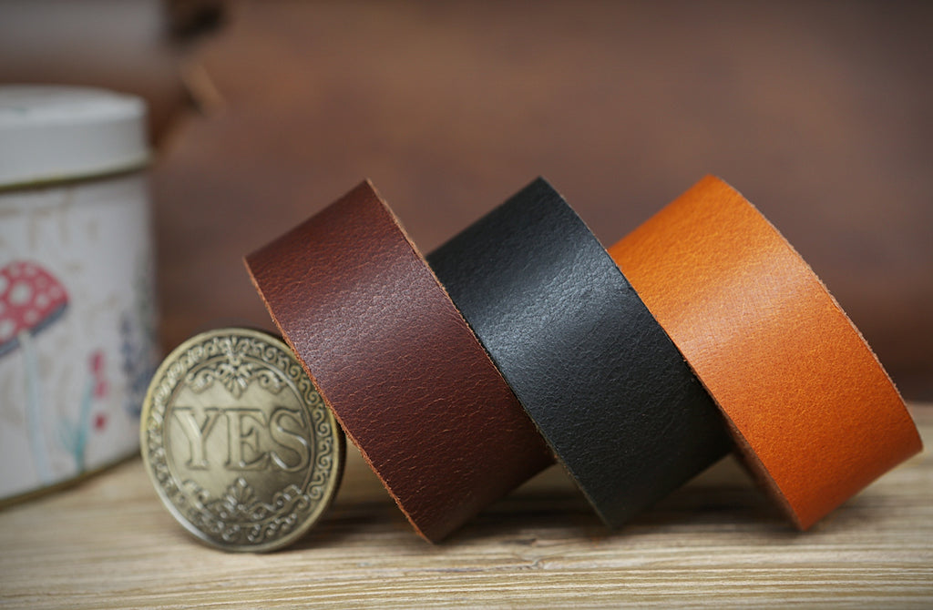 Full grain vegetable tanned leather strap