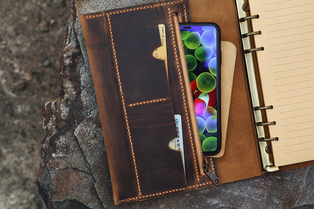Refillable journal travel notebook / Leather ring binder portfolio cover