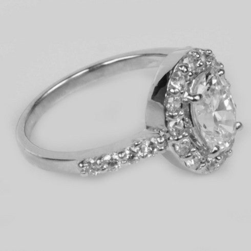 2.50 CARATS OVAL SHAPE 925 STERLING SILVER SOLITAIRE WITH ACCENTS WEDDING RING