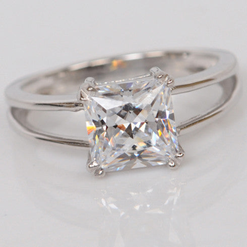 3.20 CARATS AMAZING PRINCESS SHAPE 925 STERLING SILVER SOLITAIRE WOMEN'S RING
