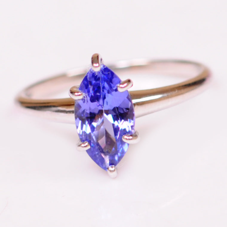 18KT SOLID GOLD 1.80 CARATS MARQUISE SHAPE NATURAL BLUE TANZANITE RING WITH FREE CERTIFICATE