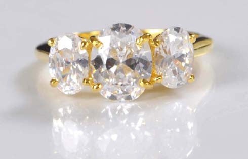 3.05 CARATS THREE STONE OVAL SHAPE 14KT SOLID GOLD ENGAGEMENT RING