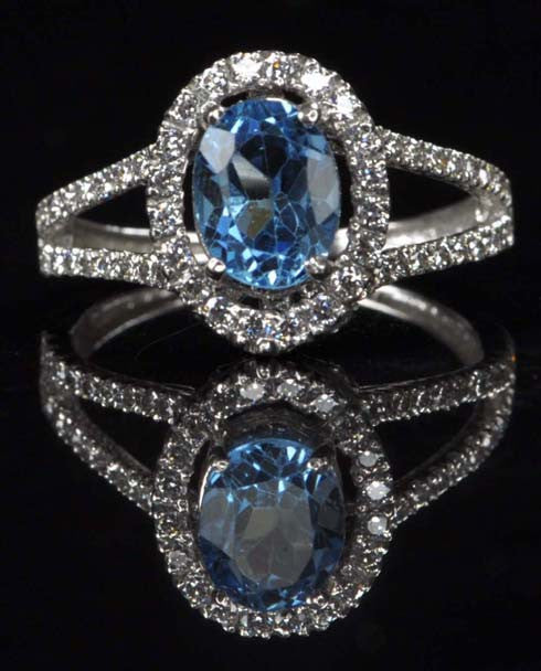 REAL 18KT SOLID GOLD 2.80 CARATS OVAL SHAPE NATURAL BLUE TOPAZ & EGL CERTIFIED DIAMOND RING