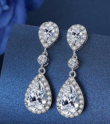 REAL 18KT SOLID GOLD WONDERFUL PEAR SHAPE 3.30 CARATS SOLITAIRE WOMEN'S EARRINGS