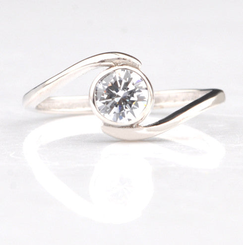 1.25 CARATS 14KT SOLID GOLD AWESOME ROUND SHAPE SOLITAIRE WEDDING RING