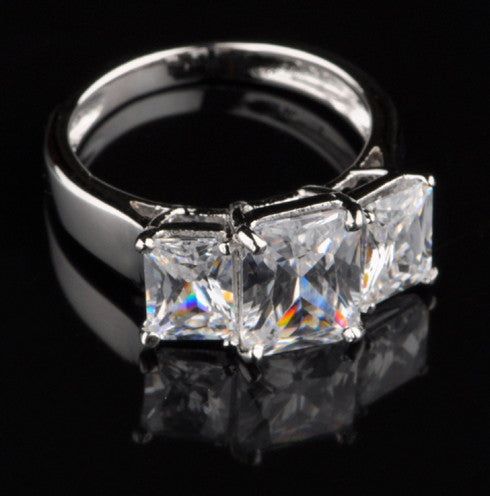 4.50 CARATS FANCY SHAPE 925 STERLING SILVER SOME-ONE SPECIAL ANNIVERSARY RING