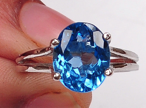 100% CERTIFIED 18KT SOLID GOLD 2.35 CARATS AMAZING OVAL SHAPE NATURAL BLUE TOPAZ RING