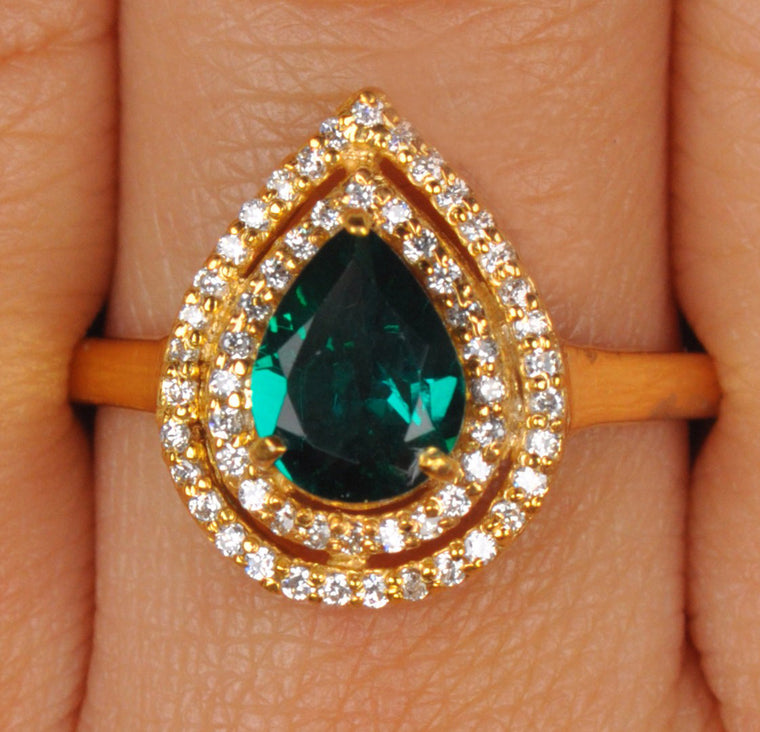 18KT SOLID GOLD 1.50 CARATS PEAR SHAPE REAL NATURAL GREEN EMERALD & EGL CERTIFIED DIAMOND RING