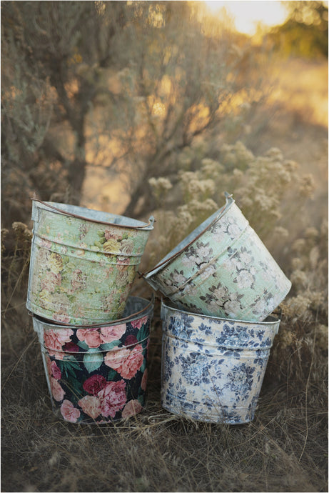 Gaines Floral Bucket