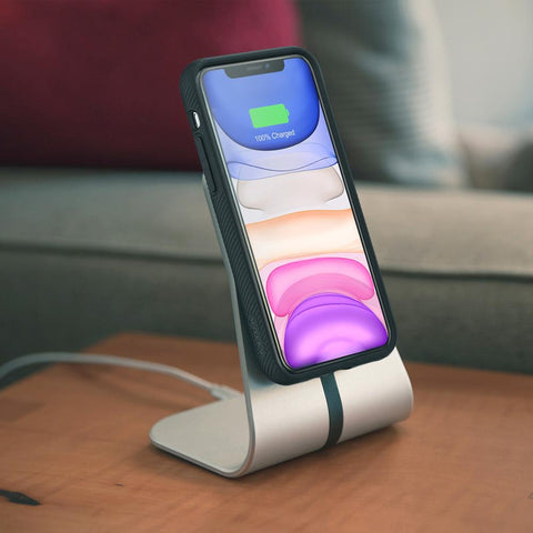 Fast Charge Wireless Charger Stand delivers up to 12 W of fast-charging speeds for Qi-enabled iPhone, Samsung