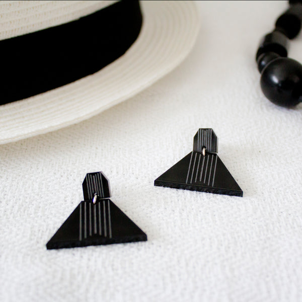Triangular Earrings (Black)