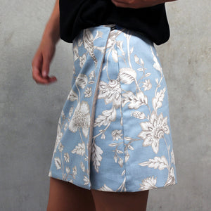 Wrap skirt with side button fastening