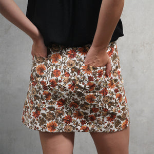 Wrap skirt with optional rear pockets