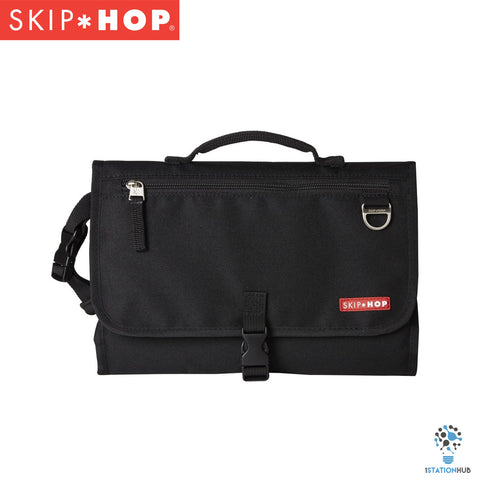 Skip Hop Pronto Changing Station | Black (Signature)
