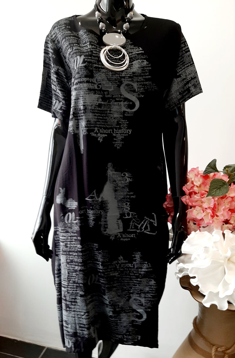 Black and Cream Easy Wearing  Script Dress with sleeve D129