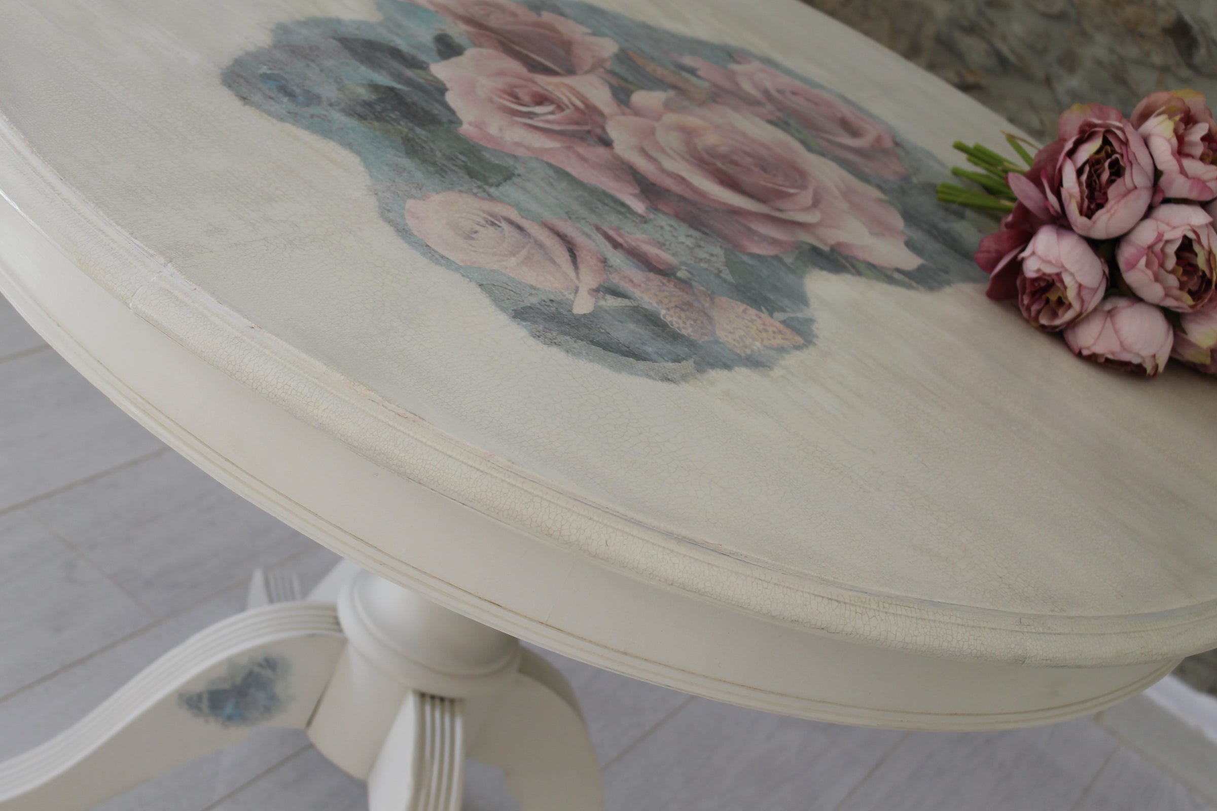 Cream Dining/Kitchen Table with Pink Rose Detail – Florentinta