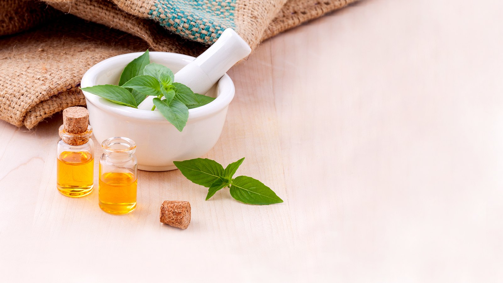 Benefits of Aromatherapy - Massage & Diffusion