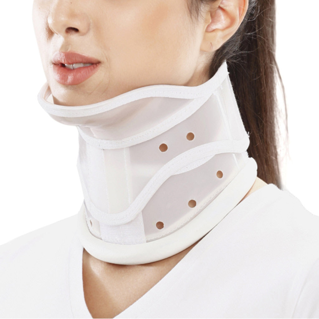Cervical Collar Hard Adjustable With Chin (TYOR35) by Tynor India