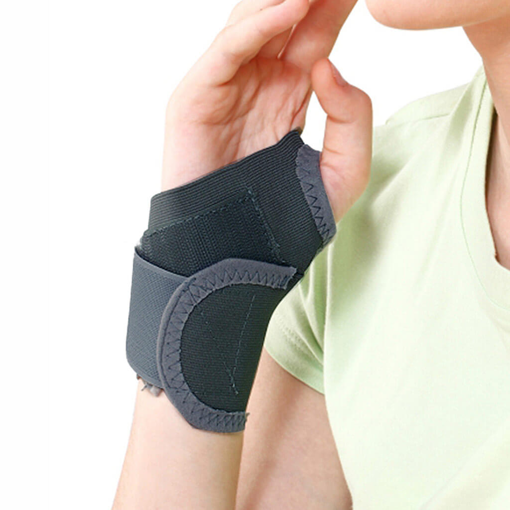 Wrist brace with thumb (E06KAZ) by Tynor India | heyzindagi.com - shipping done across India