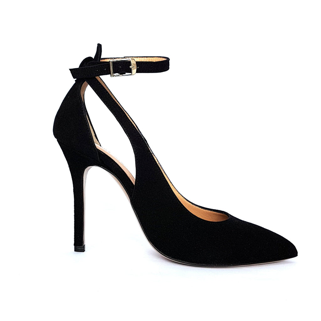 Black leather Pumps with a heel. Shop online or in our store in Nicosia, Cyprus