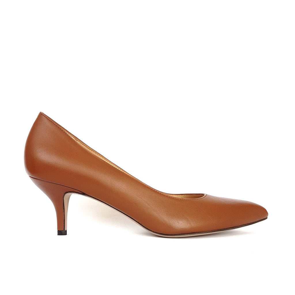 Taba leather Pumps with a heel. Shop online or in our store in Nicosia, Cyprus