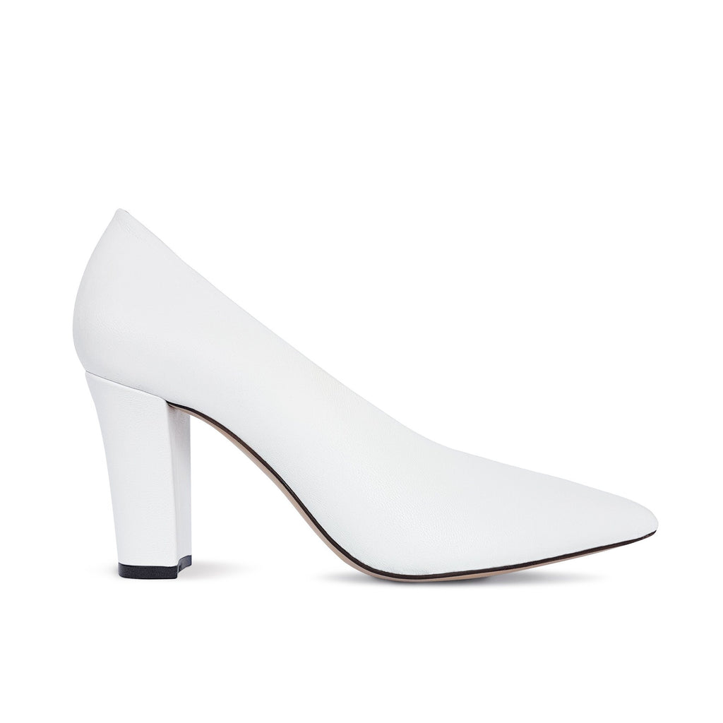 White leather Pumps with a heel. Shop online or in our store in Nicosia, Cyprus