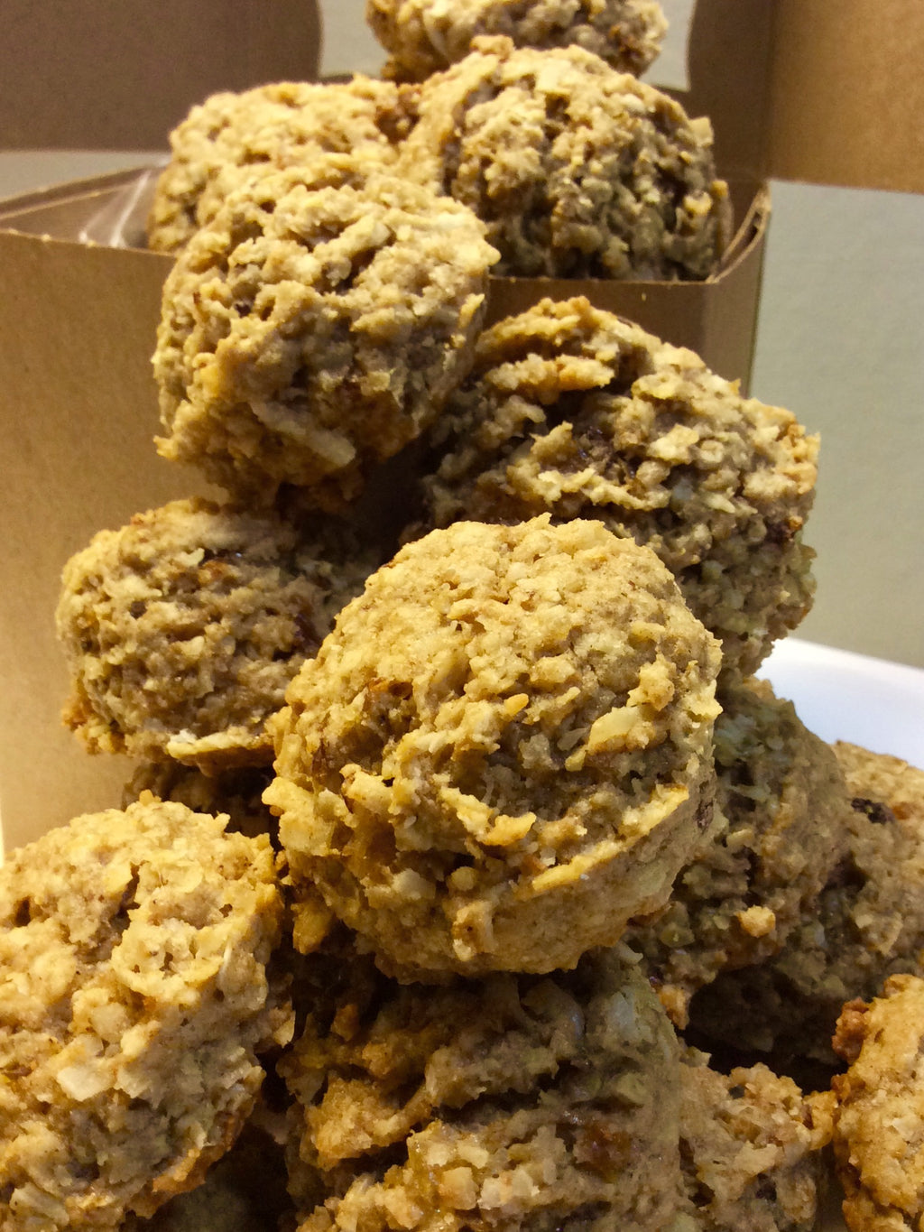 Intense Oatmeal Raisin Coconut Cookies