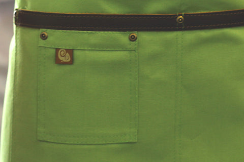 Koda Blackshaw Short Bistro Apron (Avocado)