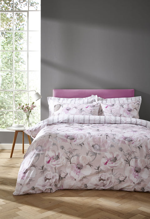 Bianca Arctic Poppy Blush Quilt Set