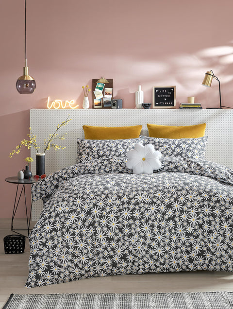 Skinny Dip Daisy Charcoal Quilt Set
