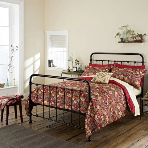 William Morris Strawberry Thief Crimson Bedding