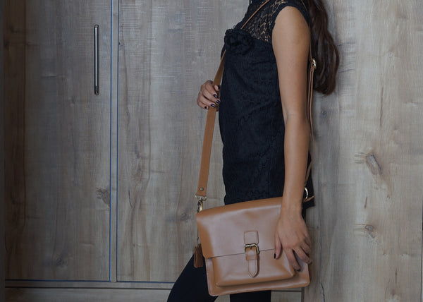 7 Benefits Of Owning A Leather Crossbody Bag – LEACARVE